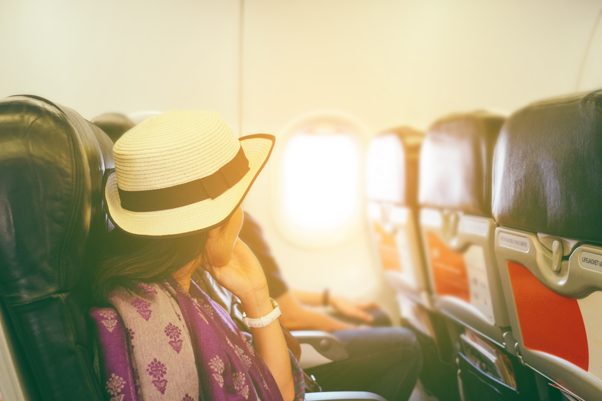 Tips to stay calm and healthy on long flights